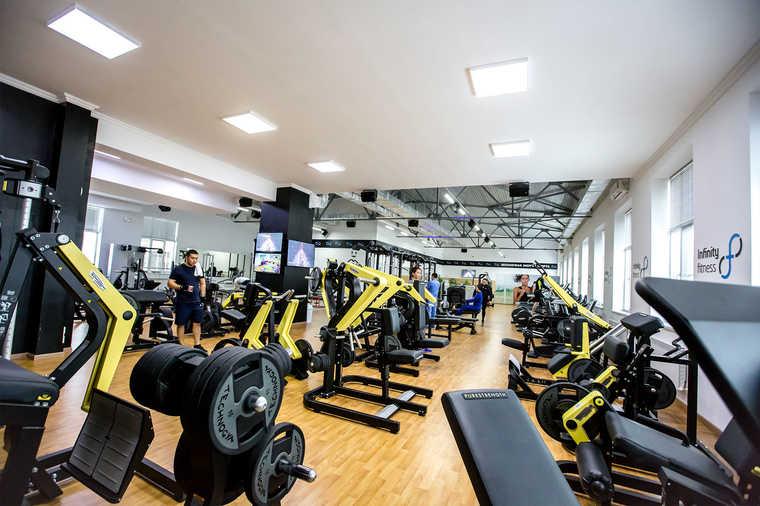 Фитнес клуб в INFINITY PLAZA